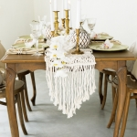 Macrame stalo takelis (200 x 35 cm), turimas kiekis - 2 vnt.