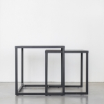 Juodi metaliniai staliukai: 45 x 45 x 45 (H cm); 40 x 40 x 40 (H cm)