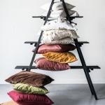 Skirtingų dizainų, tekstūrų ir spalvų pagalvėlės