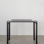 Juodas staliukas: H 43cm, ilgis 53cm, plotis 30cm